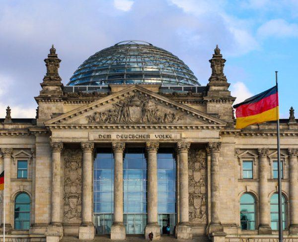 Die Lage am Ausbildungsmarkt ist Thema im Bildungsausschuss des Bundestages